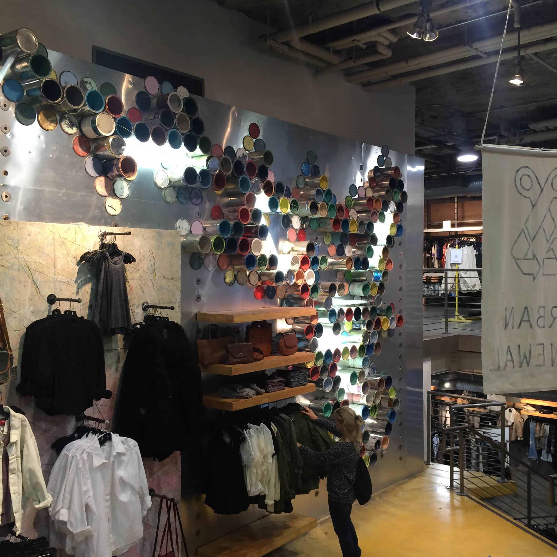 Магазин Urban Outfitters New York
